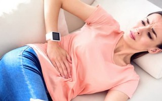 Предотвратите острый гастрит, узнав все симптомы обострения