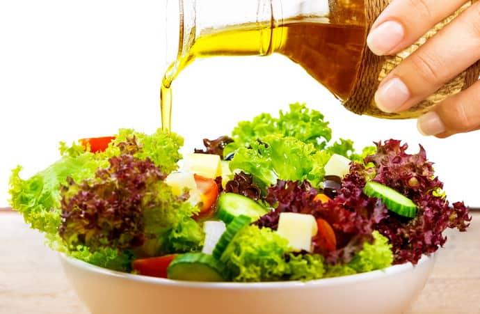 Можно ли использовать льняное масло для приготовления салата