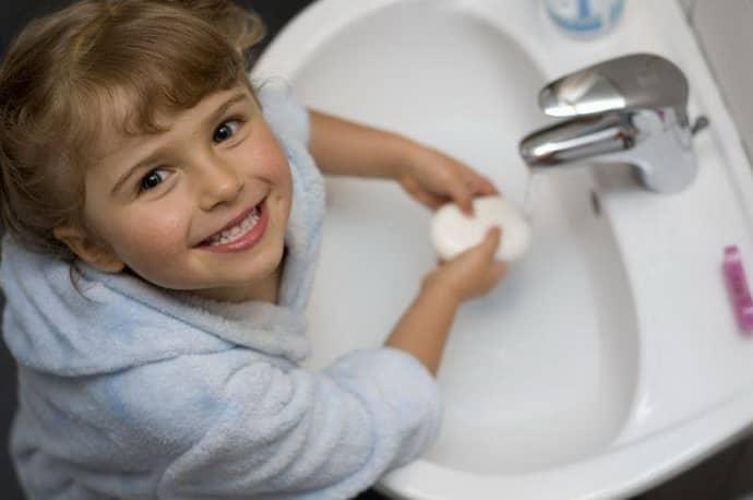 Почему возникает гастрит у детей