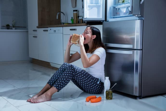 Не правильное питание ведет к боли в желудке и изжоге