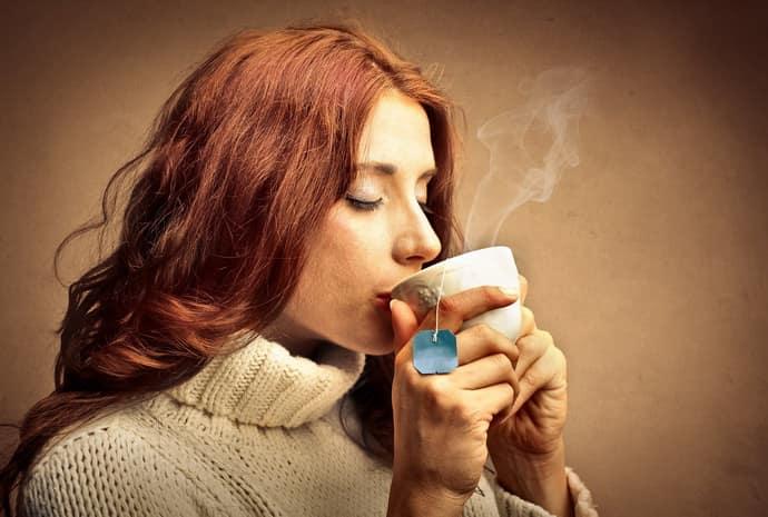 Причины возникновения изжоги от чая