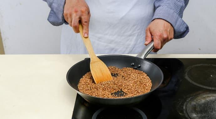 Почему нельзя обжаривать гречку
