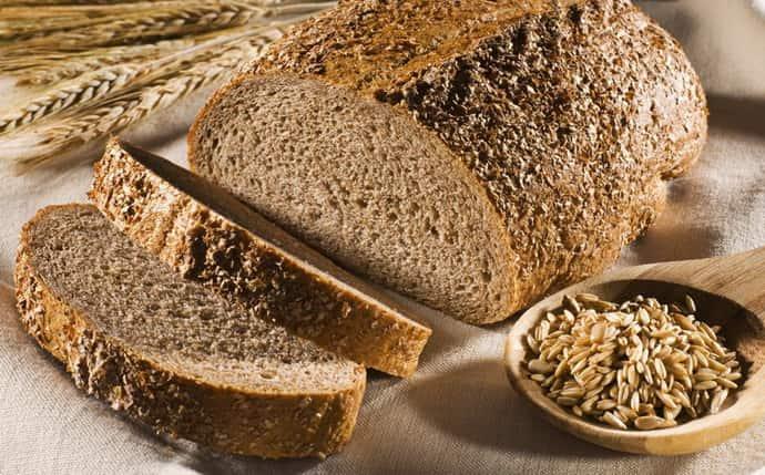 Цельнозерновой хлеб при изжоге