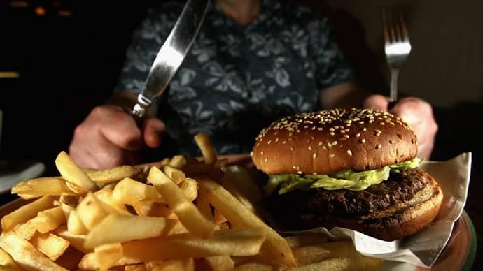 Не правильное питание вызывает изжогу