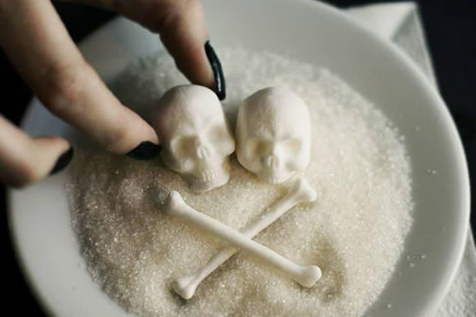 изжога от сладкого причины
