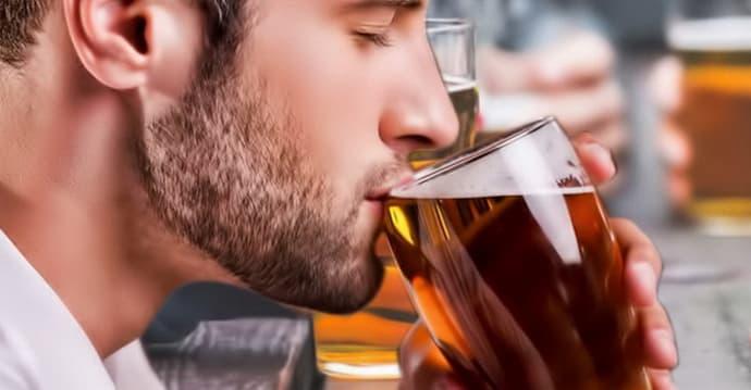 Почему возникает изжога после алкоголя