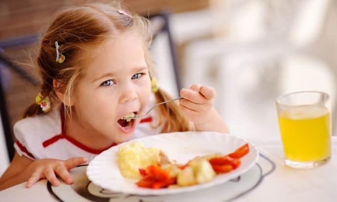 Как правильно питаться ребенку при изжоге