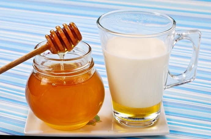 Молоко с медом при гастрите