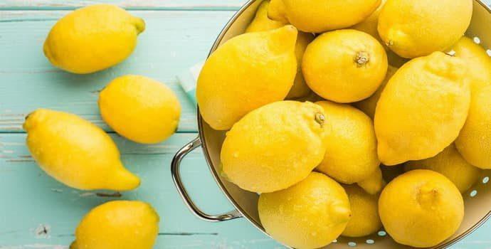 Лимонный сок при гастрите: польза, вред, полезные рецепты
