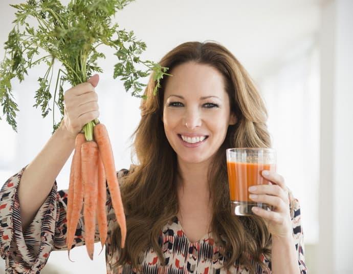 Морковный сок при гастрите: рекомендации, польза