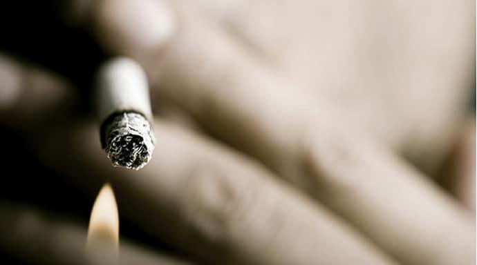 Применение пепла от сигарет при изжоге