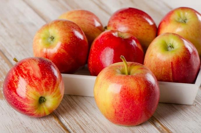 Почему яблоки вызывают изжогу